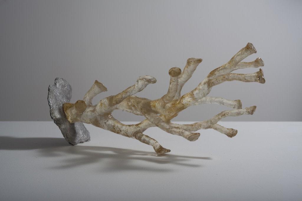 Guillaume Krattinger, Filtre, 2012, fonte d'aluminium et résine polyester, 62 x 20 x 14 cm