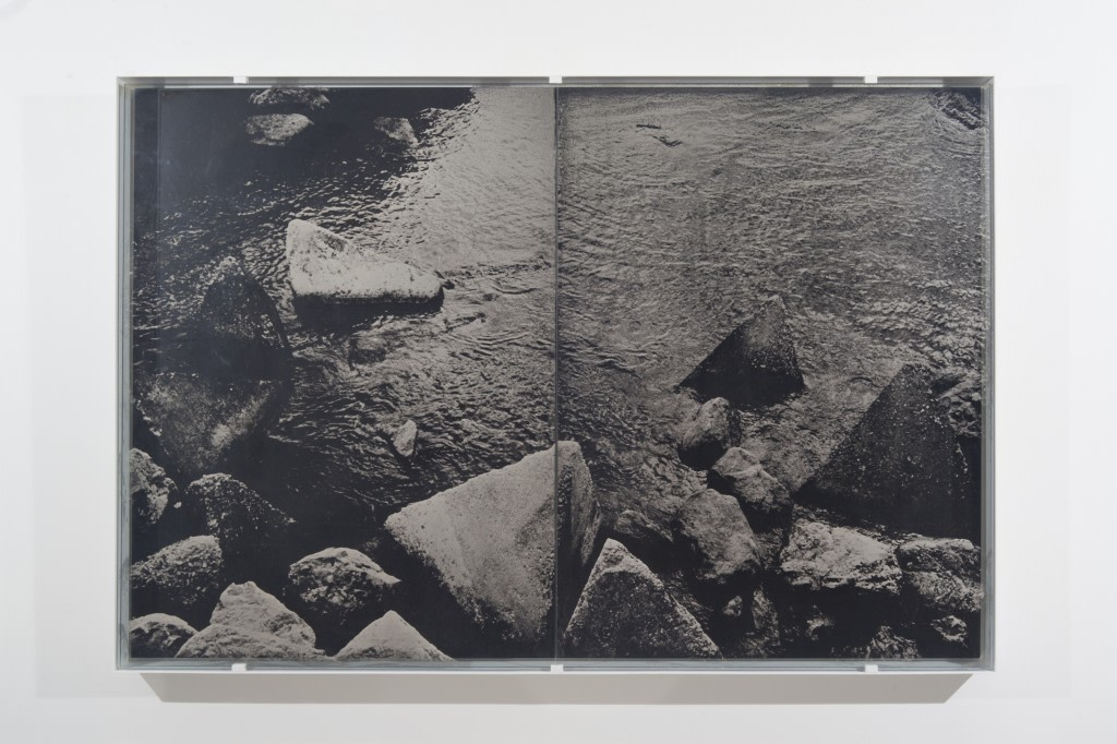Guillaume Krattinger, Pyramides, 2014, ambrotype et cadre en métal, 160 x 110 x 10 cm, ED 1/3