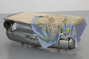 Camille Ayme, What Else is there?, 2015, carcasse de Chevrolet Corvair 1964 vernie, capot en OSB, impression sur soie naturelle, 190 x 50 x 40 cm