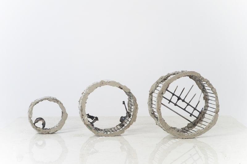 Boris Chouvellon, Sans titre, 2016, béton et métal, dimensions variables,